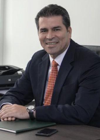 Econ. César Paredes Franco
